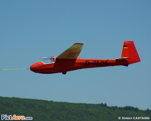 Schleicher Ka-8 B (Les planeurs de Puivert en Quercorb)