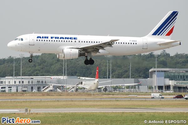 Airbus A320-111 (Air France)