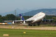 Boeing 747-368 (HZ-AIK)