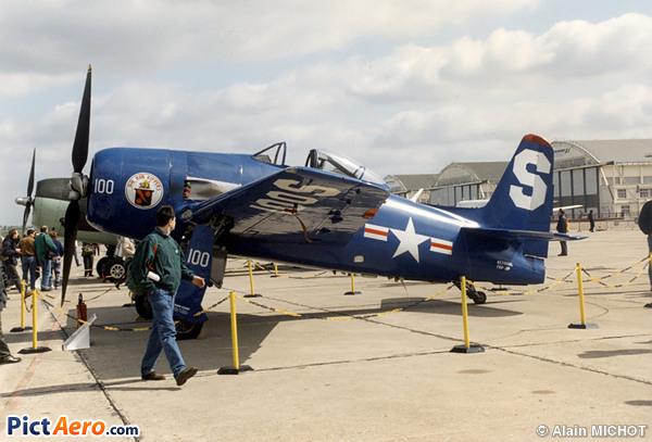 Grumman F8F-2P Bearcat (B & S Advertising Inc)