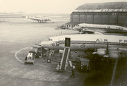 Douglas DC-4-1009 Skymaster