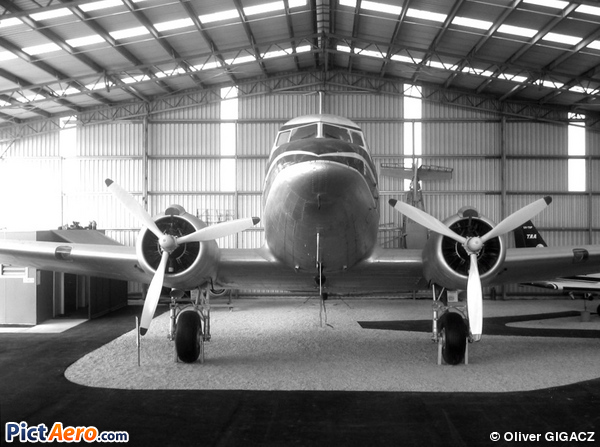 Douglas DC-3-194B (Airlines Of New South Wales)