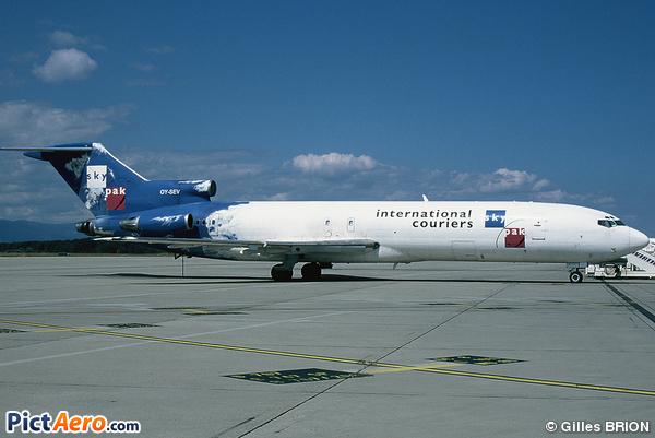 Boeing 727-281F (Sterling European Airlines)