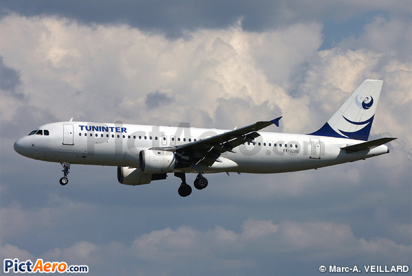 Airbus A320-212 (Tuninter)