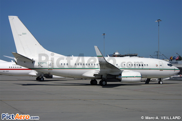 Boeing 737-7BQ/BBJ (Dallah al Baraka Group)