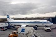 Boeing 737-408