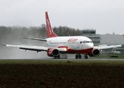 Boeing 737-330/QC
