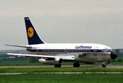 Boeing 737-230/Adv (D-ABHB)
