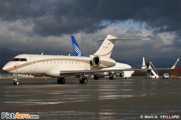 Bombardier BD-700-1A11 Global 5000 (Cirrus Aviation)