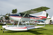 Cessna 185 Skywagon (PH-DUK)