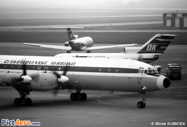 Iliouchine Il-18E (CSA Ceskoslovenske Aerolinie)