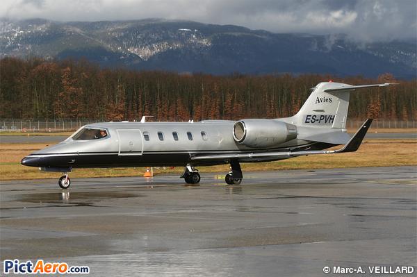 Learjet 31A (Avies)