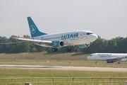 Boeing 737-5C9 (LX-LGP)