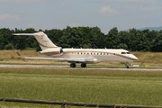 Bombardier BD-700-1A11 Global 5000 (D-AAAZ)
