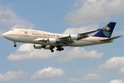 Boeing 747-468 (HZ-AIW)