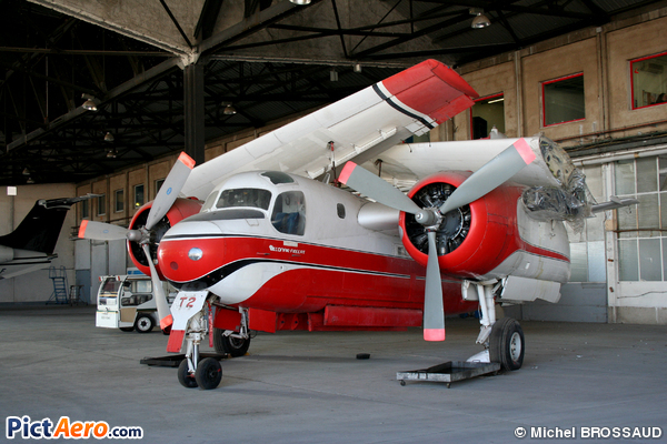 Grumman S-2F Tracker Firecat (France - Sécurité Civile)