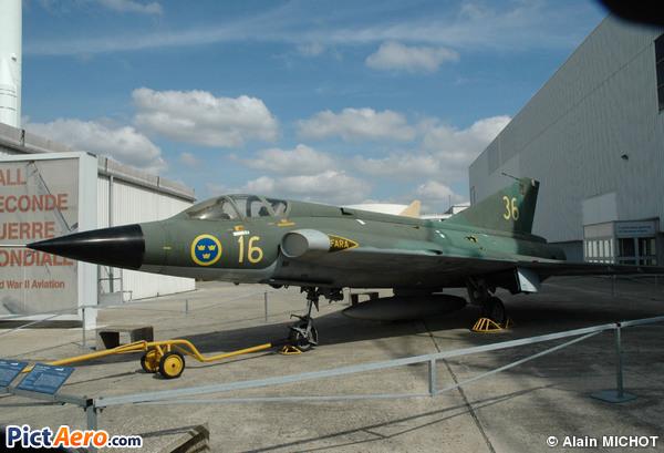 Saab J-35A Draken (Musée de l'Air et de l'Espace du Bourget)