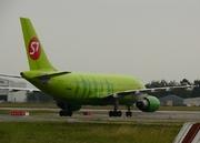 Airbus A310-204 (VP-BTM)