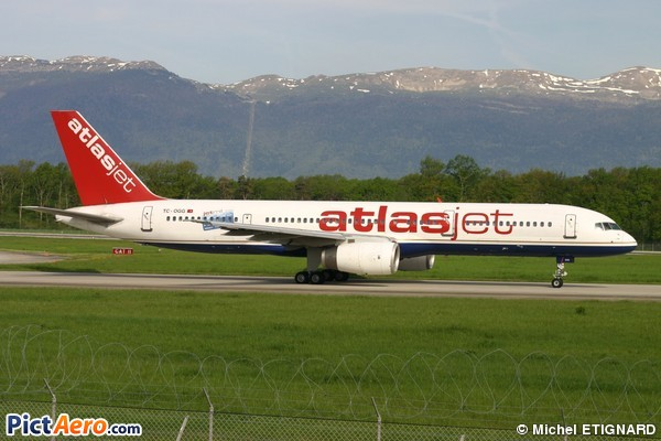 Boeing 757-2G5 (AtlasJet International Airways)