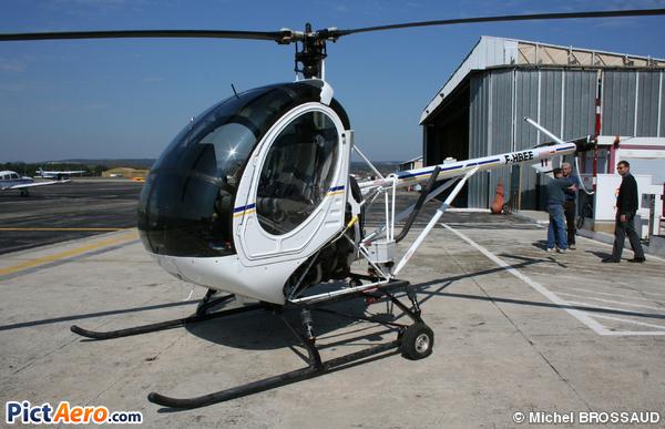 Schweizer 269C (Rotorclub de Provence)