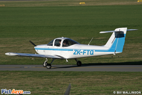 Piper PA-38-112 (Canterbury Aero Club)