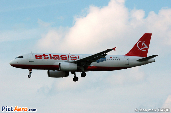 Airbus A320-232 (AtlasJet International Airways)