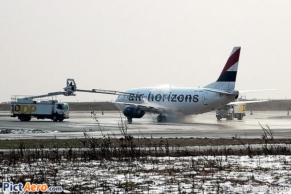 Boeing 737-329 (Air Horizons)