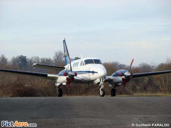 Beech B90 King Air (Air Châteaux)