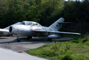 Mikoyan-Gurevich MiG-15UTI (5-16)