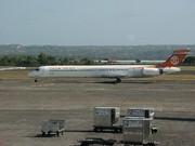 McDonnell Douglas MD-90-30 (B-17917)