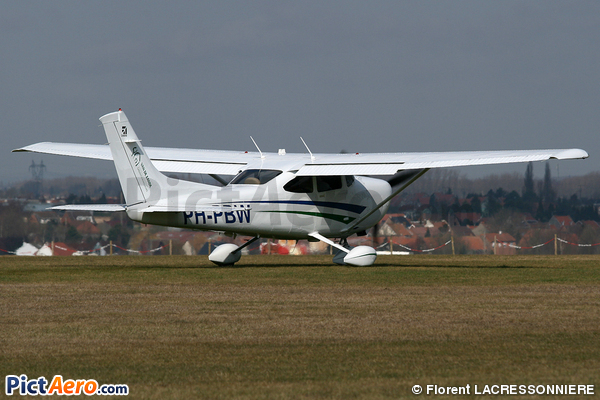 Cessna TR182 Turbo Skylane RG (Private)