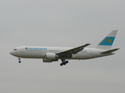 Boeing 767-2DX/ER (UP-B6701)