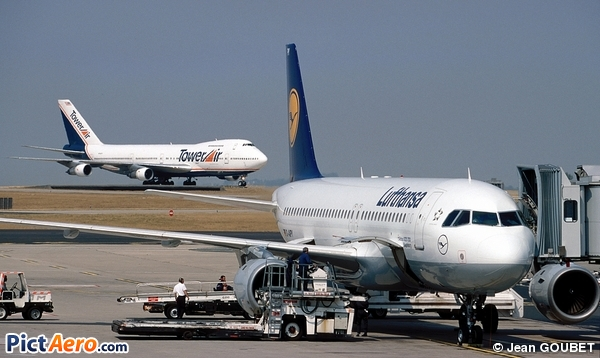 Airbus A320-211 (Lufthansa)