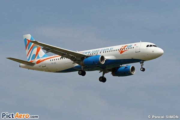 Airbus A320-233 (Izair)