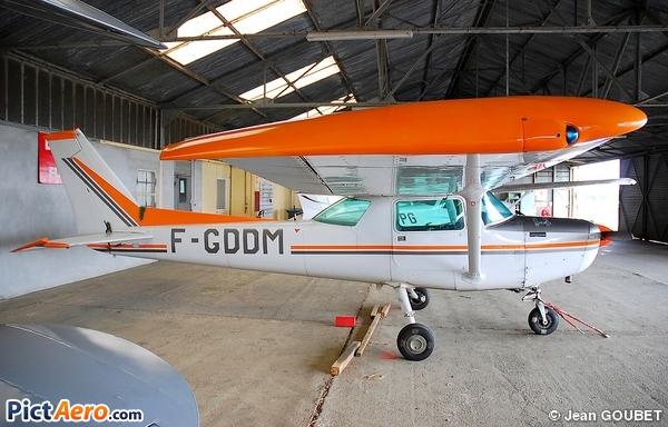Reims F152 (Dassault Aéroclub Aquitaine)
