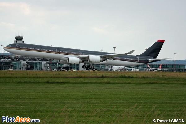 Airbus a340 642x f wjkg jordan government par pascal for Interieur airbus a340 600