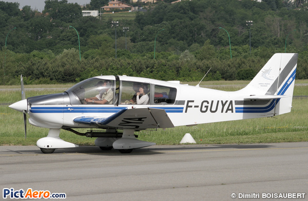 Robin DR-400-160 (ACAT Airbus France Toulouse)