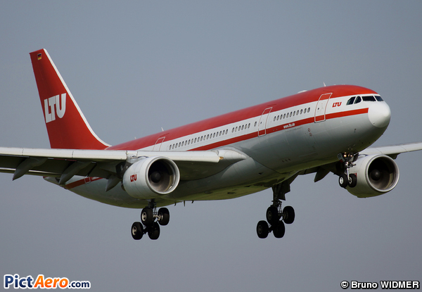 Airbus A330-223 (Air Berlin)