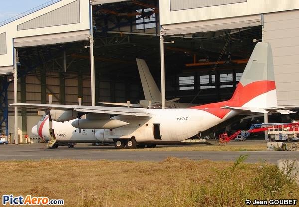 Lockheed C-130H-30 Hercules (L-382T) (Angola Air Charter)