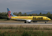 Boeing 737-8K5 (D-AHFX)