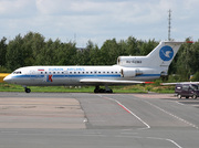 Yakovlev Yak-42D (RA-42363)