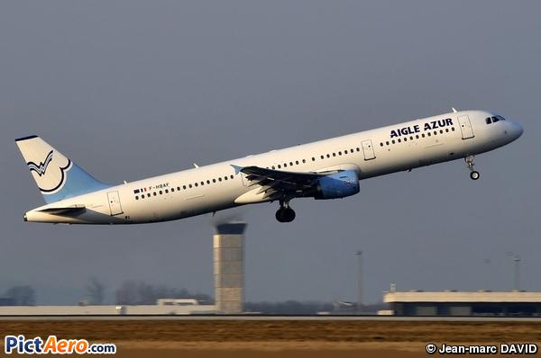 Airbus A321-211 (Aigle Azur)