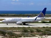 Boeing 737-724 (N24715)