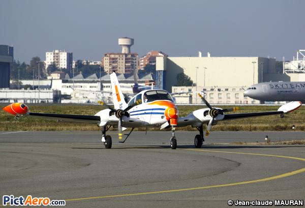 Cessna 310Q (France - Ministère de la Défense (CEV))
