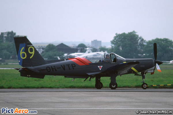 Valmet L-90TP Redigo (Valmet)