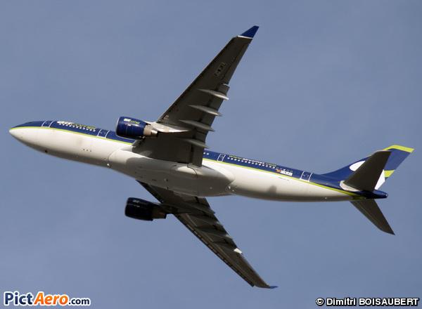 Airbus A330-223 (Air Comet)