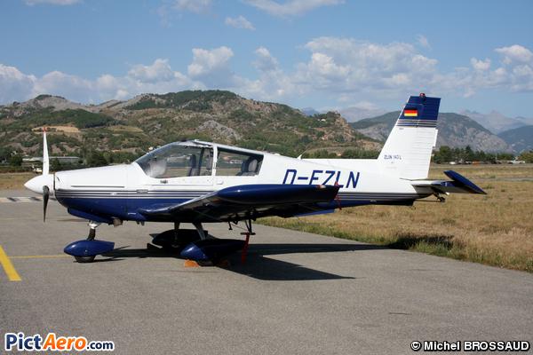 Zlin Z-143L ( Flugshule Miltenberg)