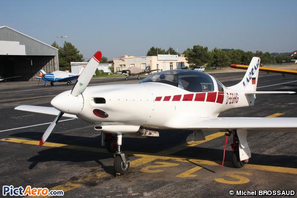Grasser Neico Lancair 235 (Privé)