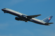 Boeing 757-222 (N590UA)