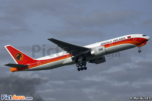 Boeing 777-2M2/ER (TAAG Angola Airlines)